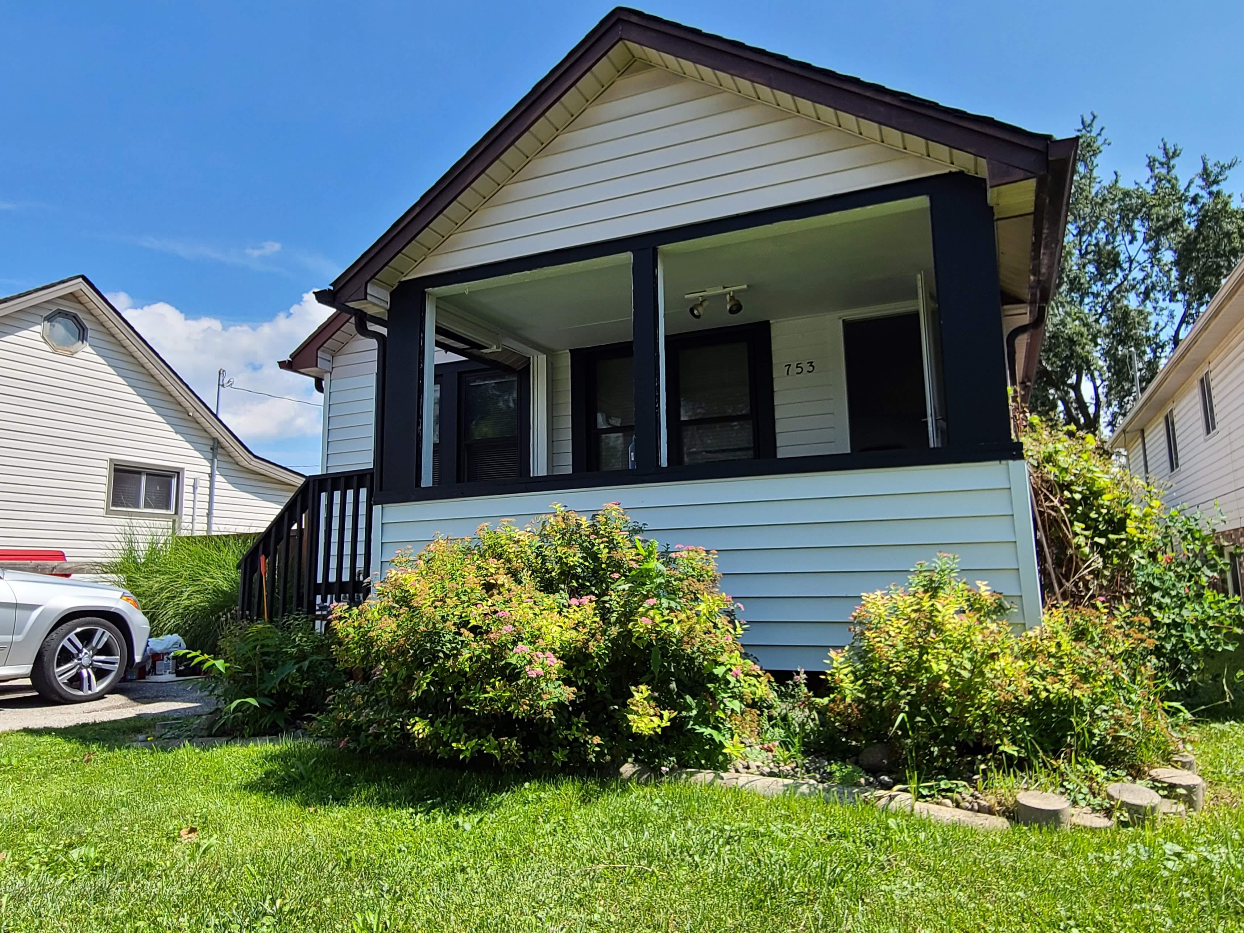 753 Eugenie, Windsor, Ontario  N8X 2Y6 - Photo 3 - RP2331324229