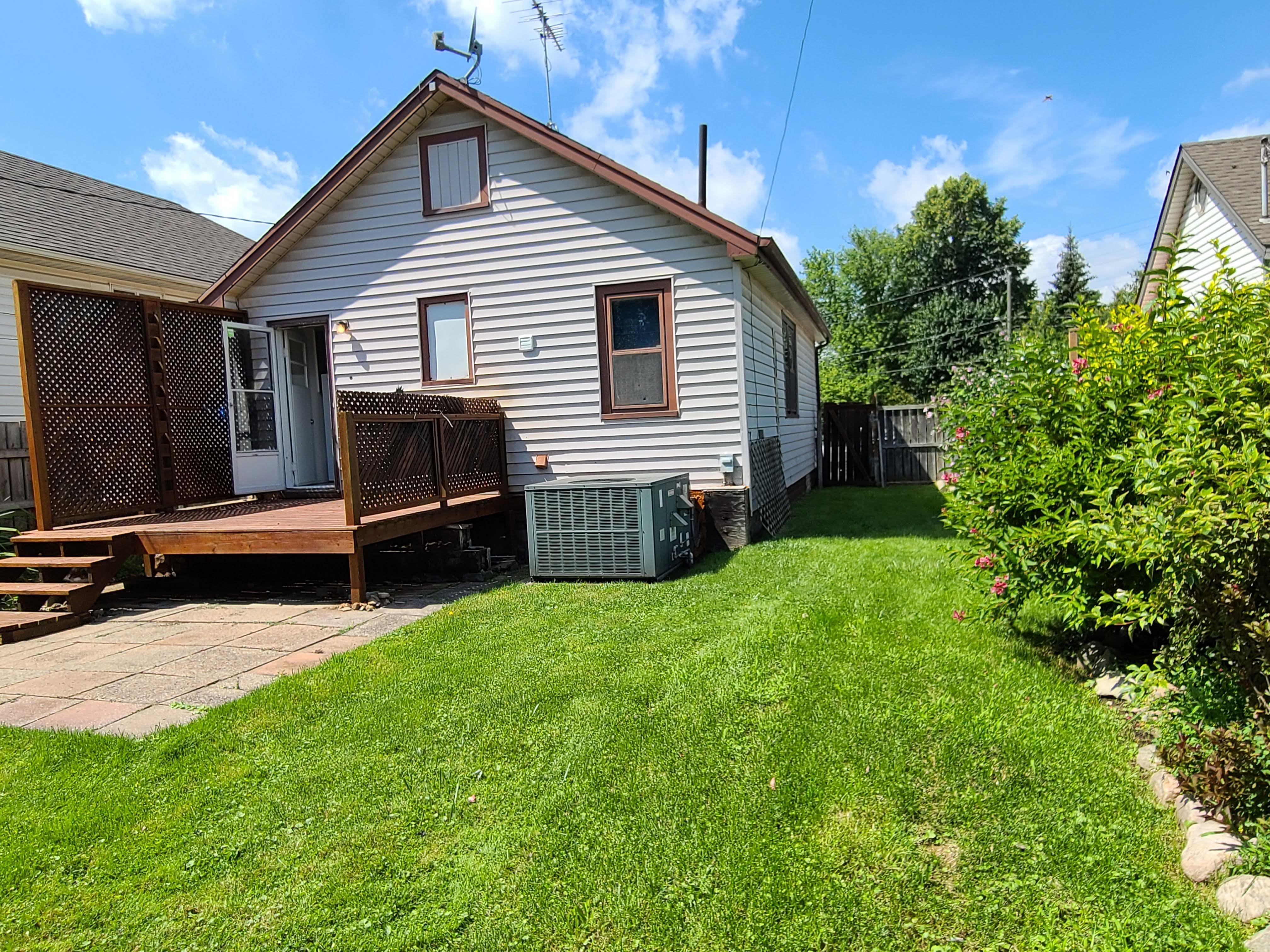 753 Eugenie, Windsor, Ontario  N8X 2Y6 - Photo 7 - RP2331324229