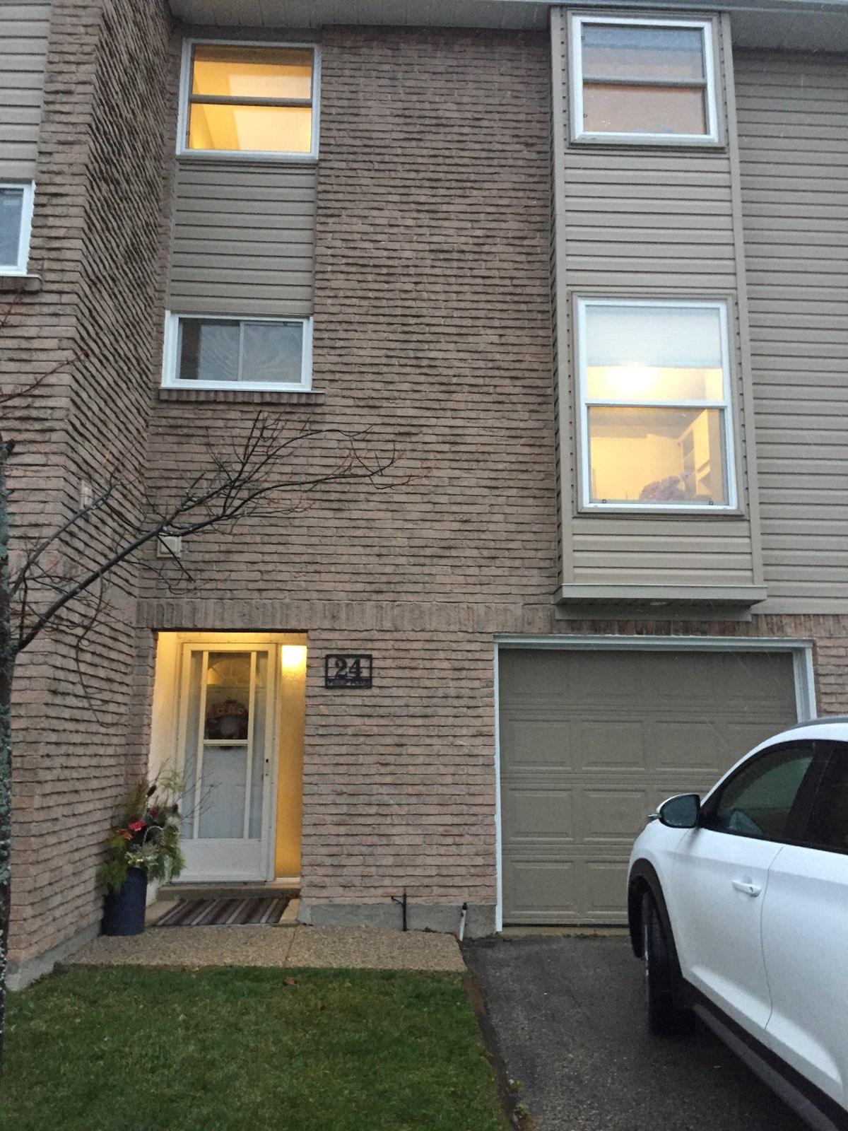 24 Philip Place, Ontario