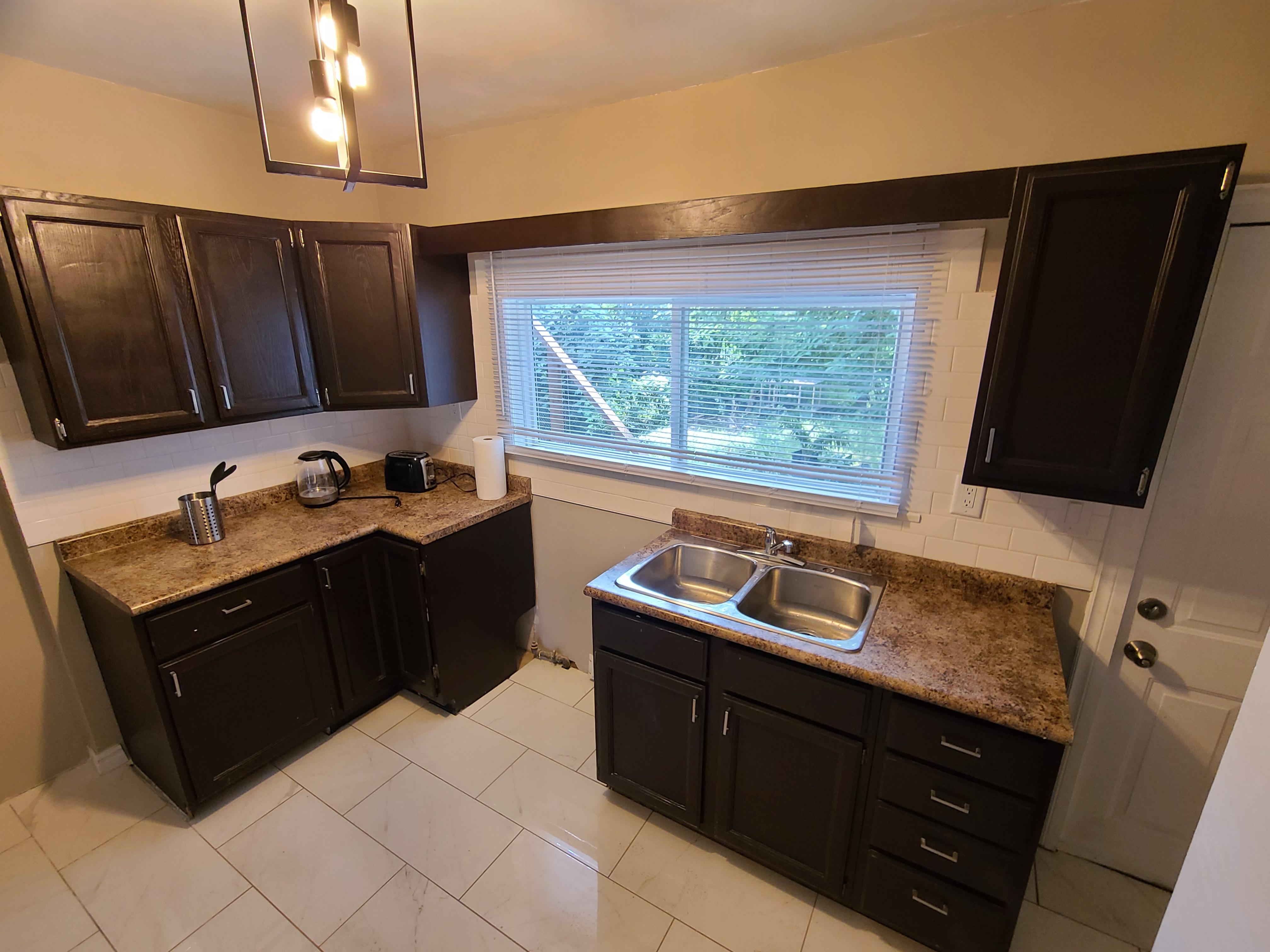 369 Indian Rd , Windsor, Ontario  N9C 2M1 - Photo 13 - RP5784294476