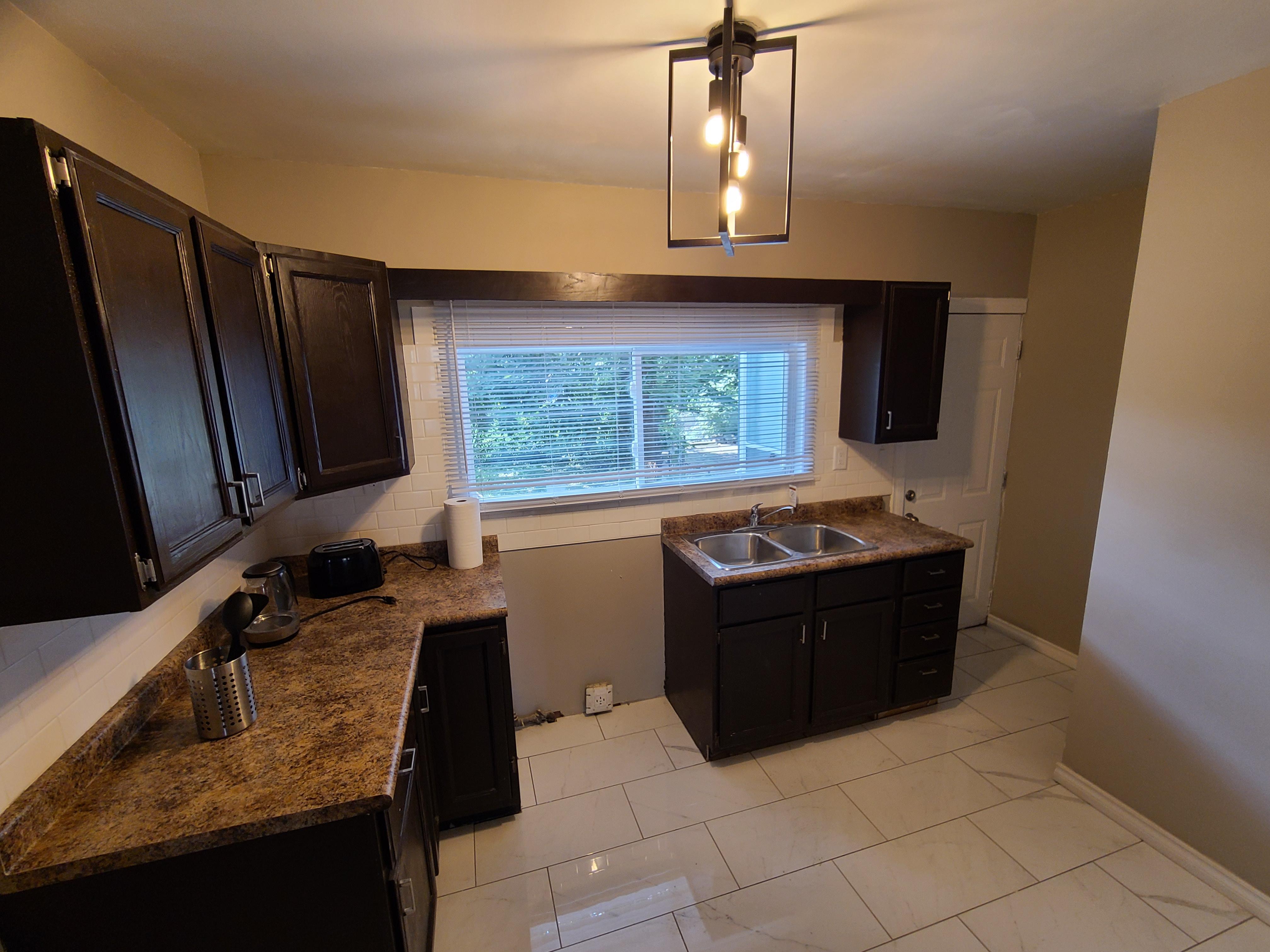 369 Indian Rd , Windsor, Ontario  N9C 2M1 - Photo 14 - RP5784294476