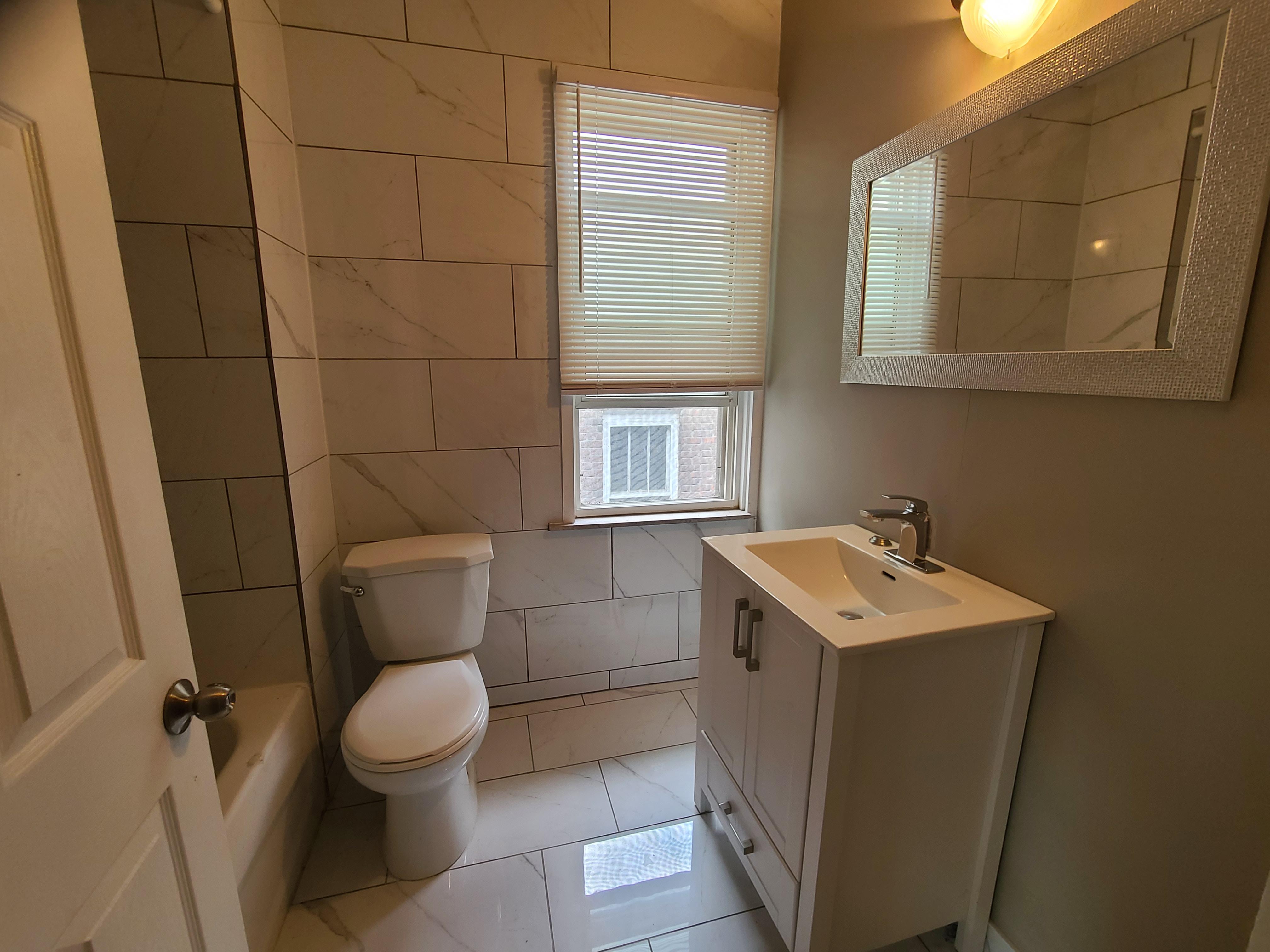 369 Indian Rd , Windsor, Ontario  N9C 2M1 - Photo 8 - RP5784294476