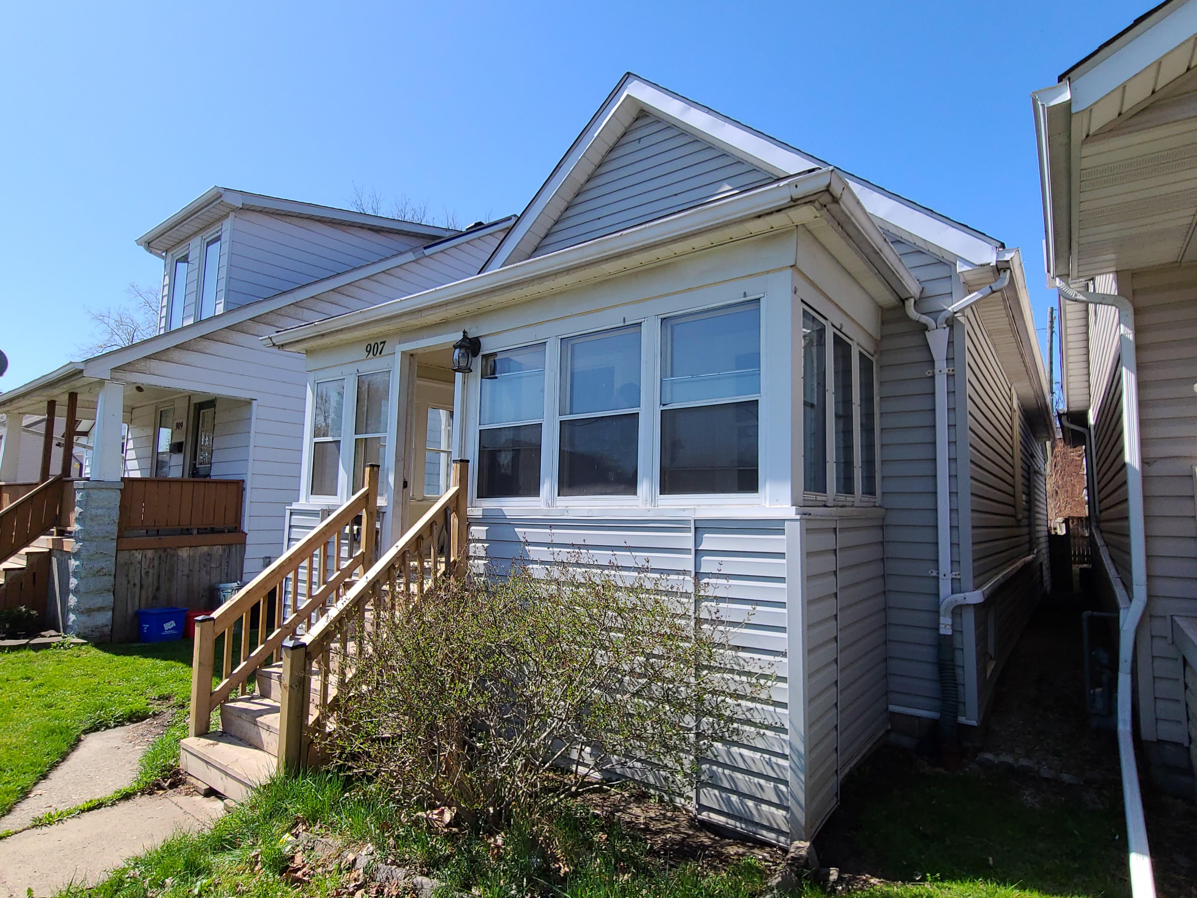 907 Bridge Ave, Windsor, Ontario    - Photo 3 - RP8818198460