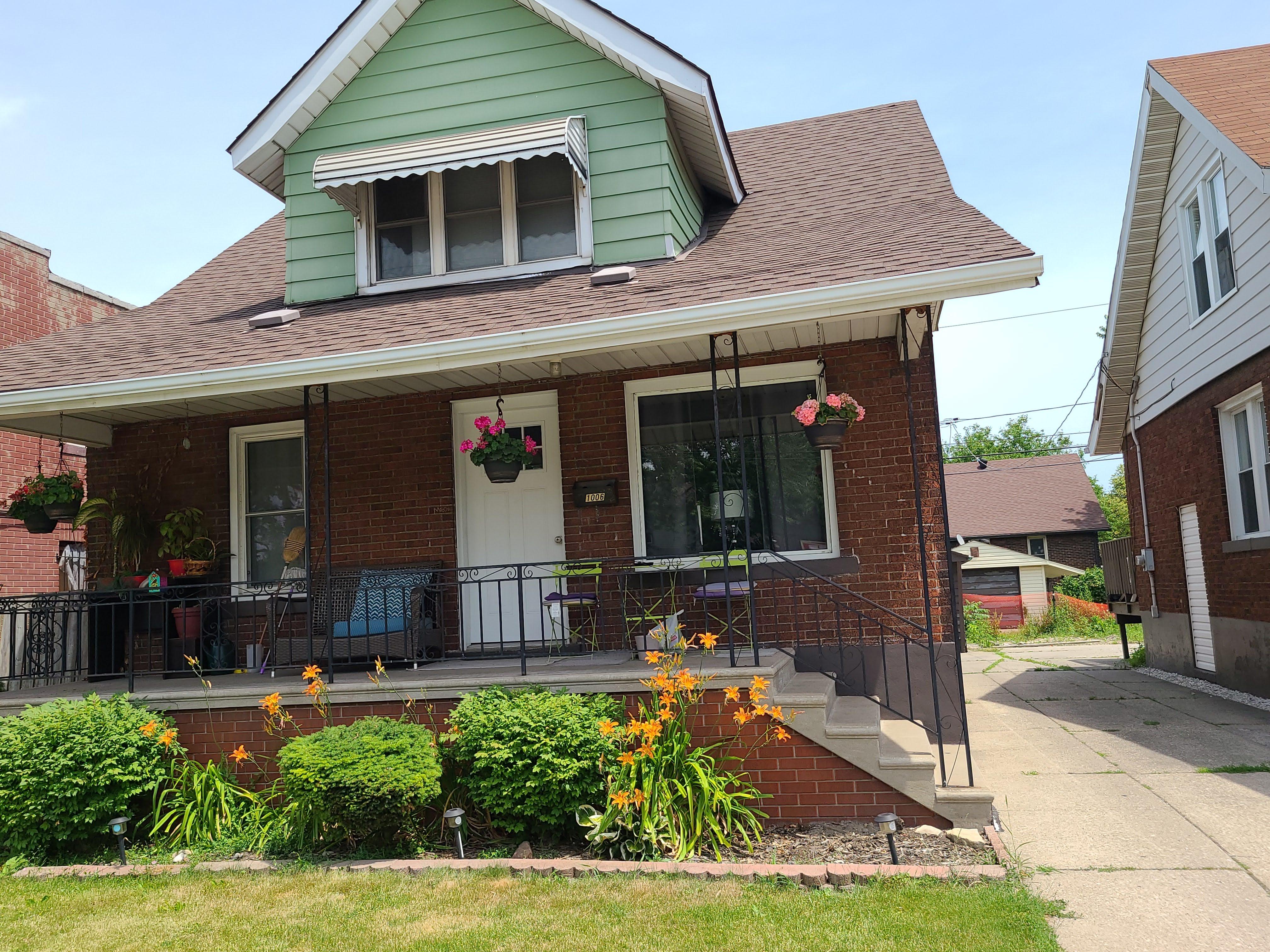 1006 Felix Ave, Windsor, Ontario  N9C 3L5 - Photo 2 - RP5413743784