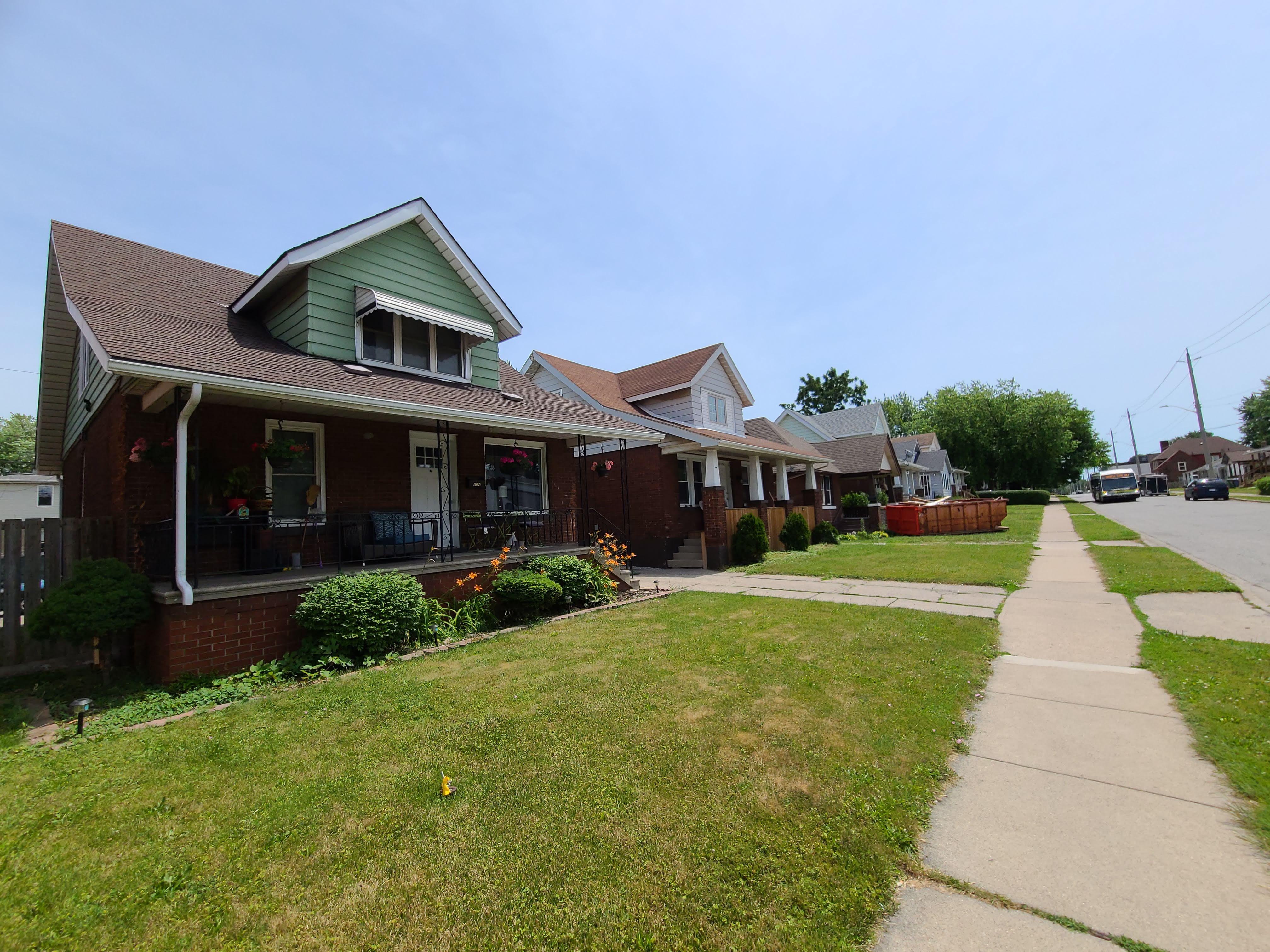 1006 Felix Ave, Windsor, Ontario  N9C 3L5 - Photo 4 - RP5413743784