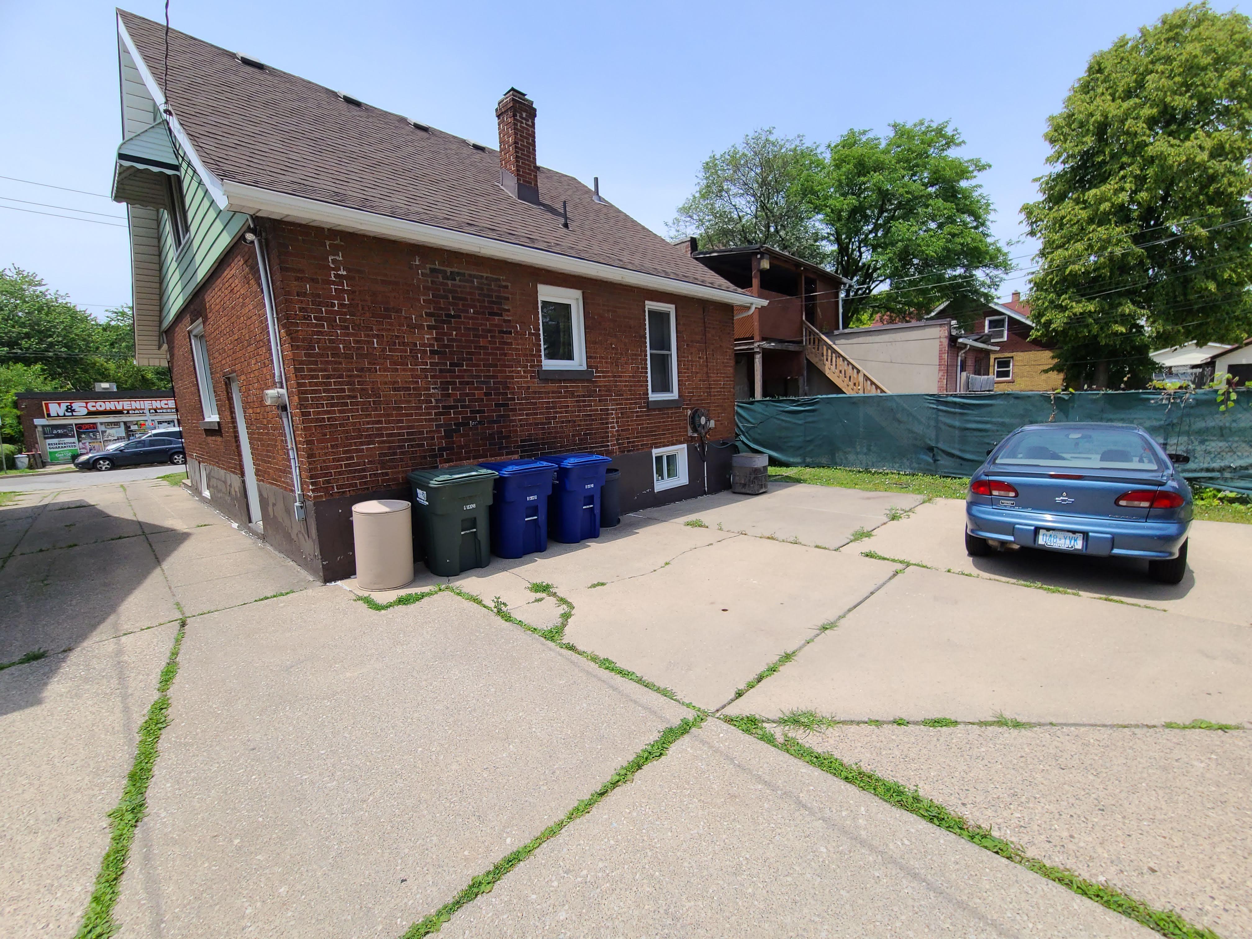1006 Felix Ave, Windsor, Ontario  N9C 3L5 - Photo 7 - RP5413743784